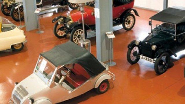 Los 5 museos de coches y automoción más bellos de España
