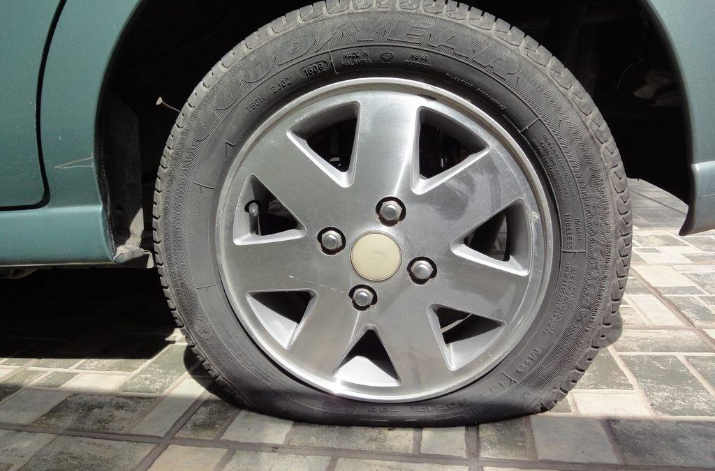 Cómo cambiar la rueda del coche de forma sencilla