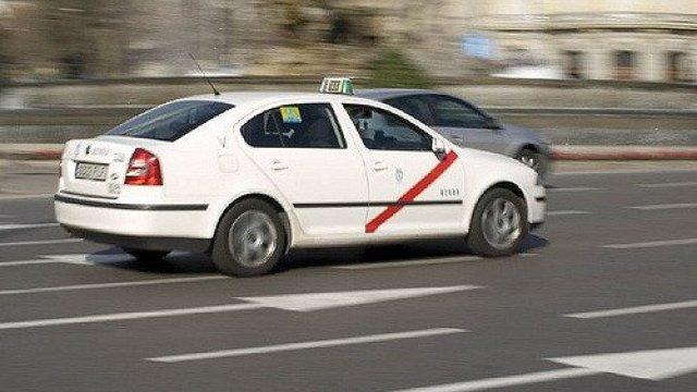 Las ciudades con las tarifas de taxi más caras: Ahorra alquilando un coche