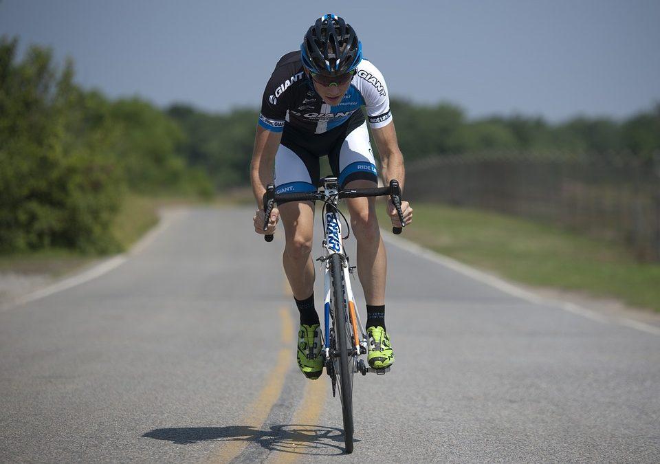 Adelantamientos a ciclistas: ¡Resuelve todas tus dudas!