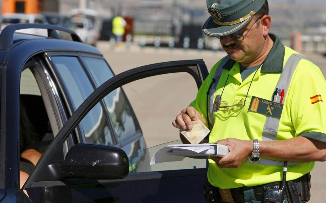 Multas de tráfico: Las sanciones más frecuentes al volante