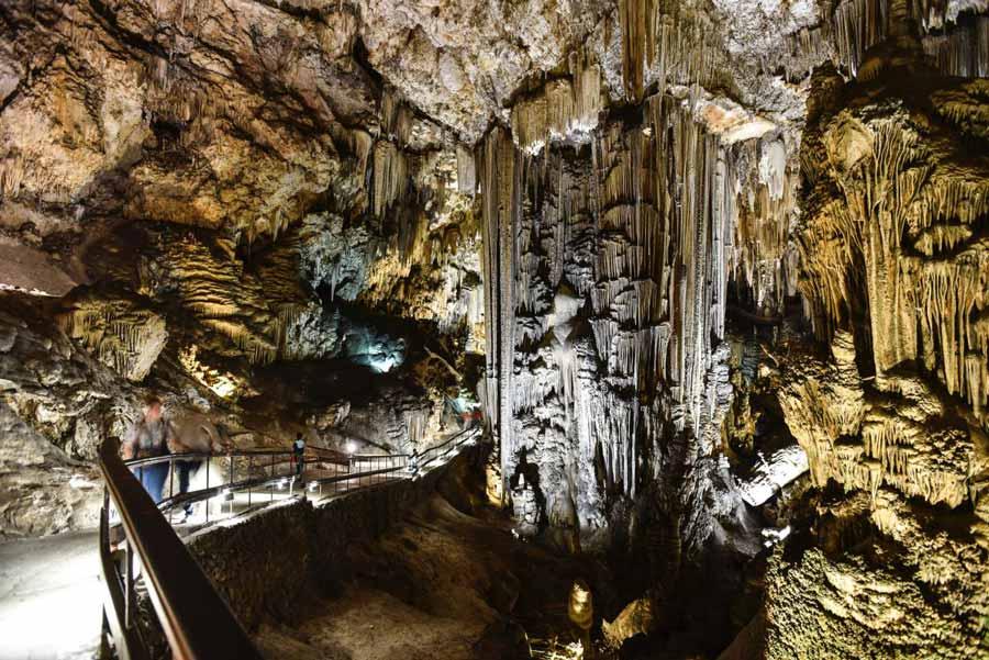 Cuevas de Nerja: Un monumento subterráneo