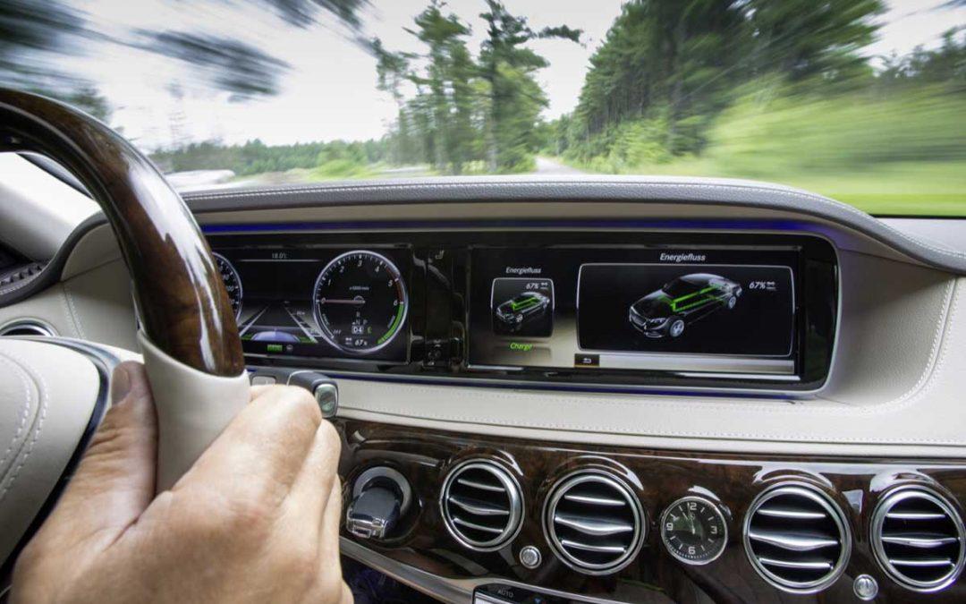 Conducir un coche híbrido: ¡Serás un as al volante!