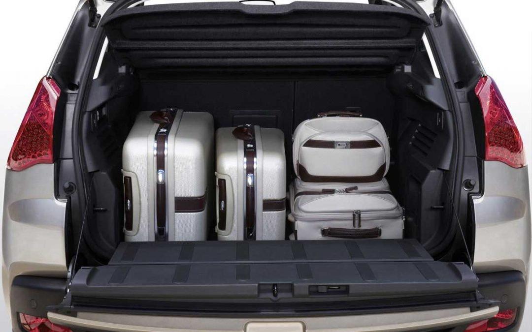 Cómo colocar el equipaje en el coche de forma segura
