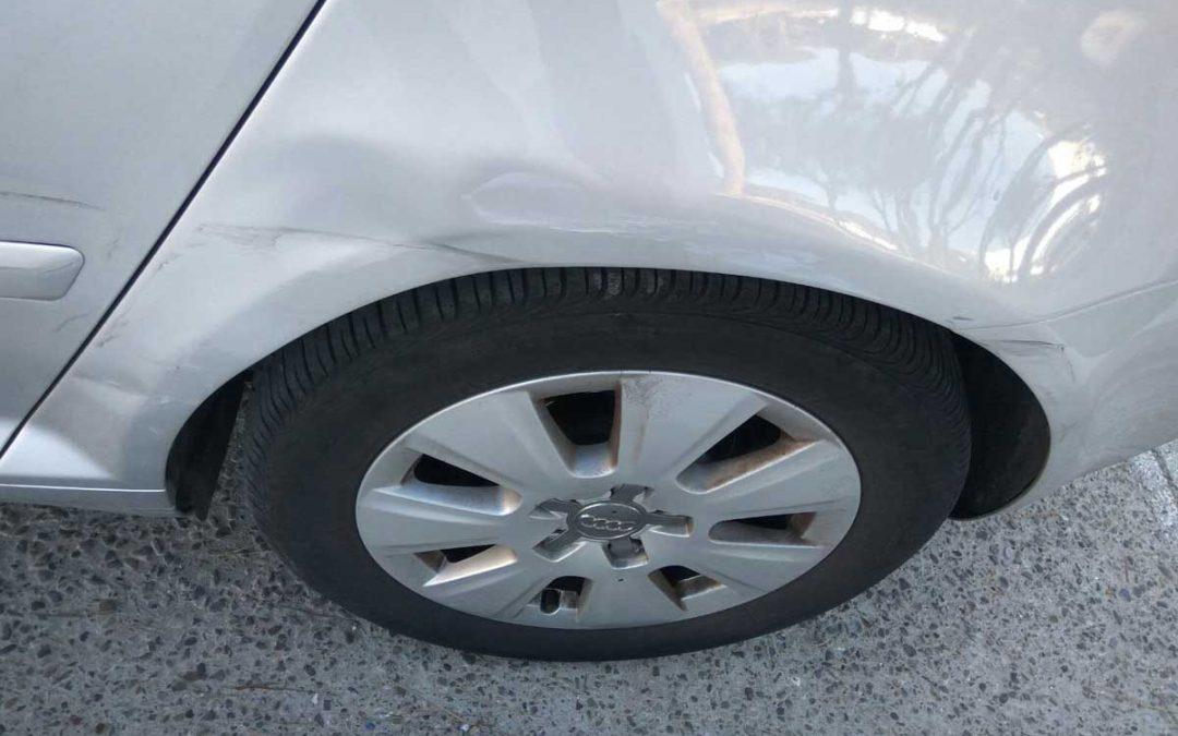 ¿Cómo arreglar un golpe en el coche sin complicaciones?